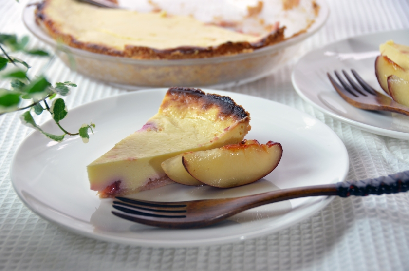 cheesecake with plums and tofu